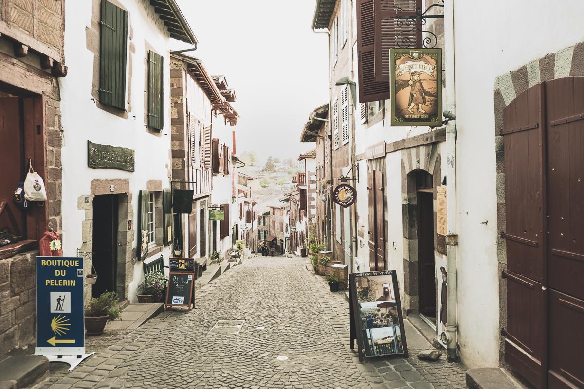 Streetlife in Saint-Jean-Pied-de-Port
